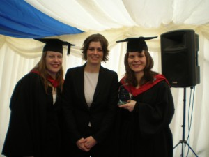 From left to right: Denise Sauer (Account Manager in Birmingham), Jasmin Schneider (Operations Manager), Award winner Antonia Wolfrum